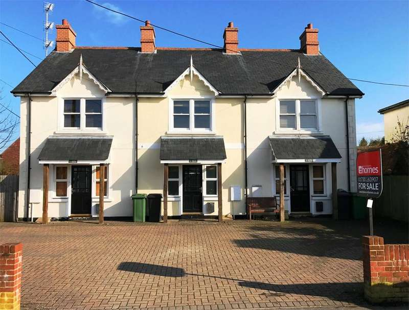 3 Bedrooms Town House for sale in Hill Brow Road, LISS, Hampshire