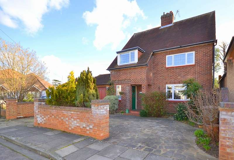 3 Bedrooms Detached House for sale in Ashford