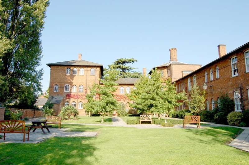 1 Bedroom Flat for sale in Dunstable Street, Ampthill, Bedford, MK45