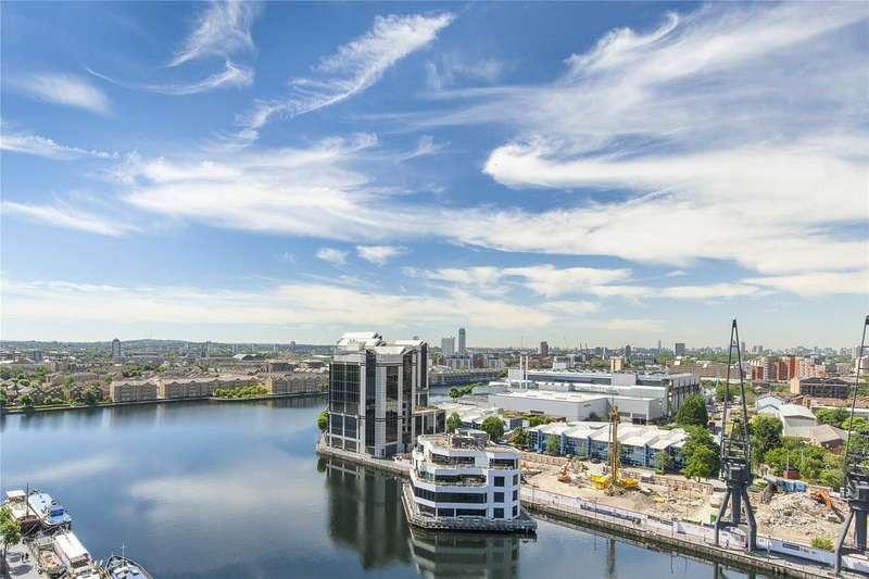 3 Bedrooms Penthouse Flat for sale in Woodbridge, Dockside, Turnberry Quay, London