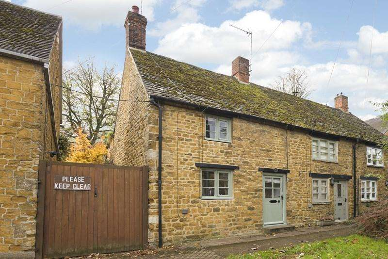 2 Bedrooms Semi Detached House for sale in New Street, Deddington, Banbury