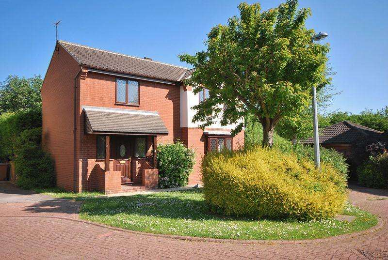 4 Bedrooms Detached House for sale in St. Johns Close, Beverley