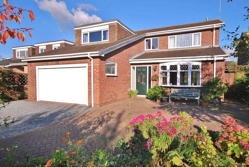 4 Bedrooms Detached House for sale in Copandale Road, Beverley