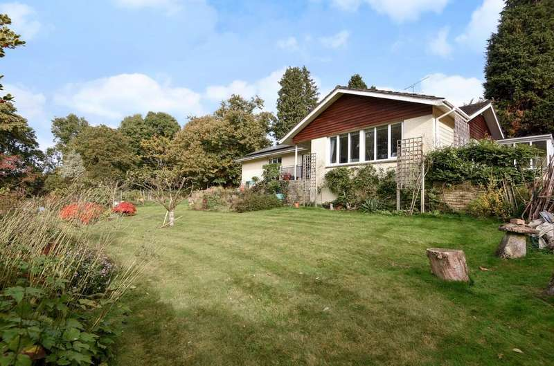 3 Bedrooms Detached Bungalow for sale in Ramshill, Petersfield, GU31