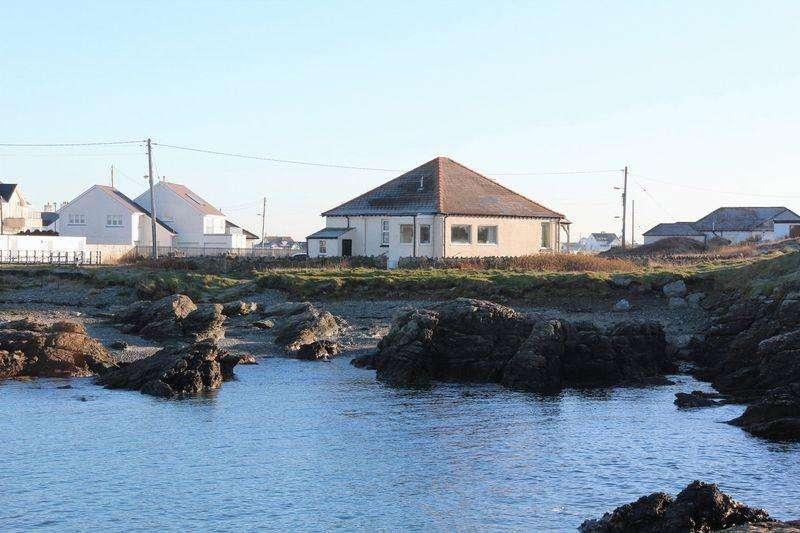 3 Bedrooms Detached House for sale in Lon Isallt, Trearddur Bay