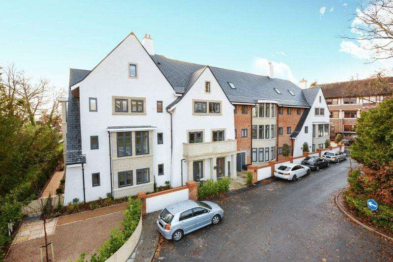 2 Bedrooms Retirement Property for sale in Bolnore Road, Haywards Heath