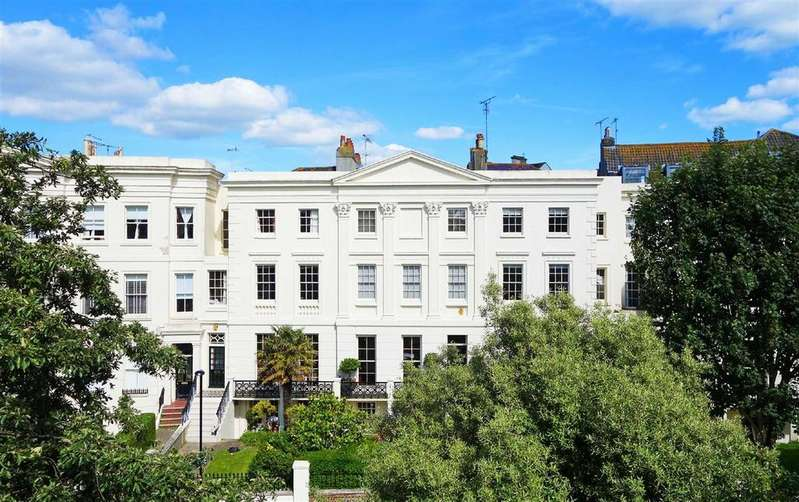 4 Bedrooms Terraced House for sale in Montpelier Crescent, Brighton, East Sussex