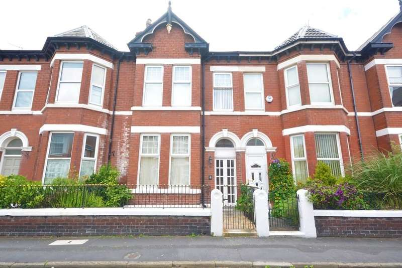 3 Bedrooms House for sale in Wellington Street, Southport, PR8 1QJ