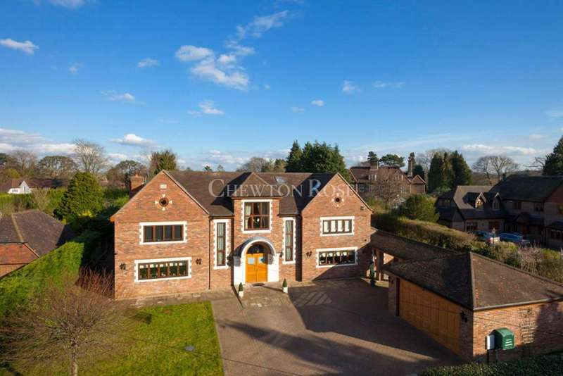 5 Bedrooms Detached House for sale in Woldingham