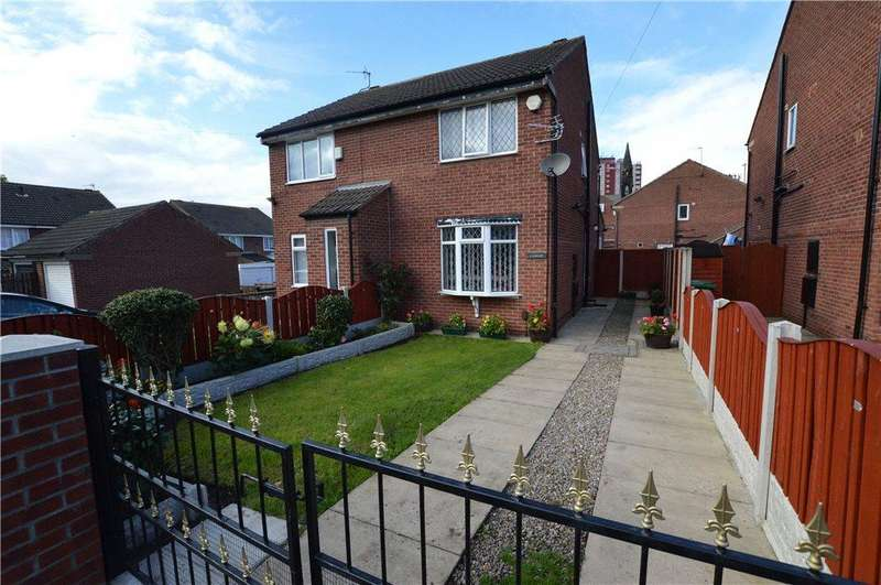 2 Bedrooms Semi Detached House for sale in Lydgate, Leeds, West Yorkshire