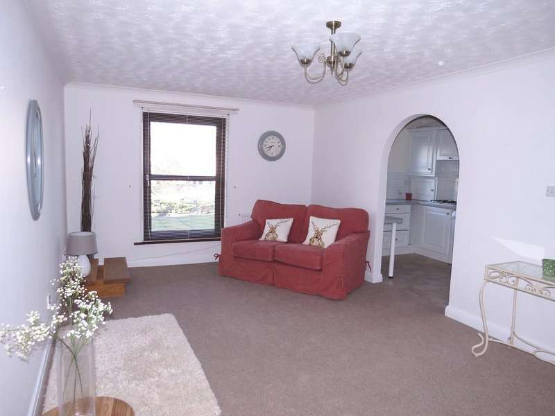 2 Bedrooms Apartment Flat for sale in Sandhills Court, Queen Street, Whitehaven, Cumbria