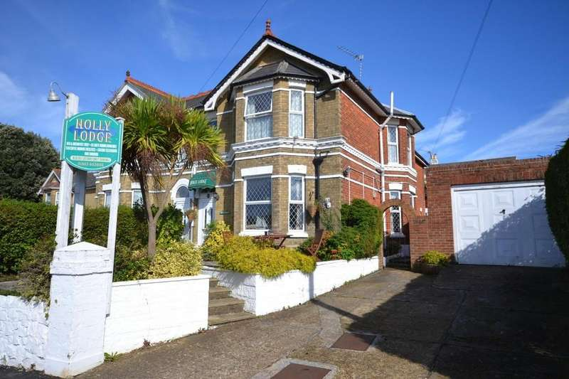 6 Bedrooms Semi Detached House for sale in Queens Road, Shanklin
