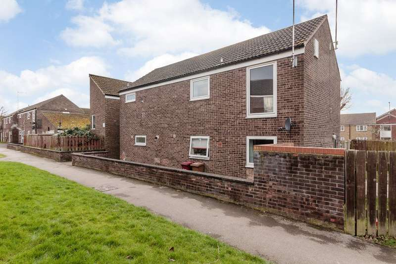 1 Bedroom Flat for sale in Selby Court,Scunthorpe,Lincolnshire DN17 1QQ