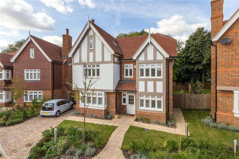 5 Bedrooms Detached House for sale in Eliot Place, Harpenden, Hertfordshire