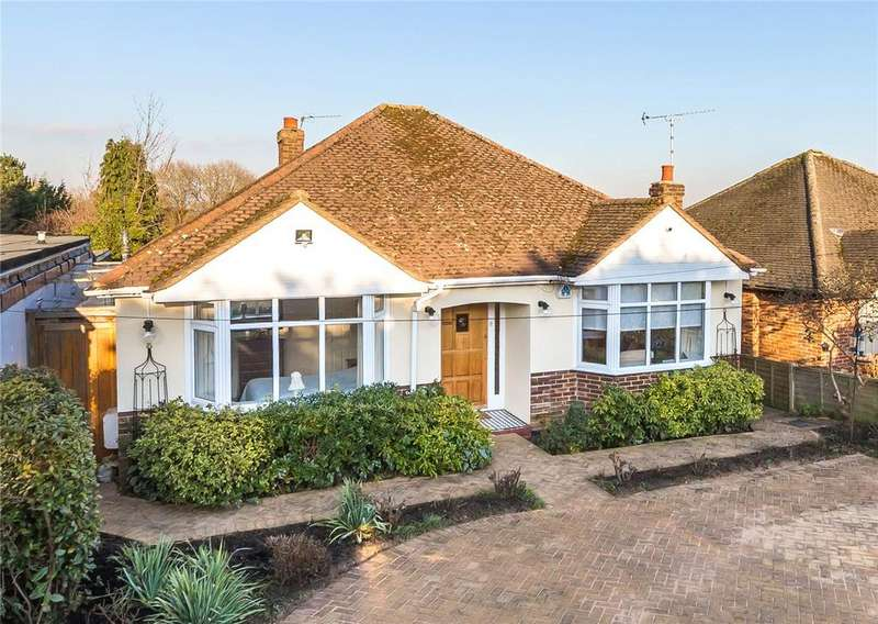 4 Bedrooms Detached Bungalow for sale in Mayflower Road, Park Street, St. Albans, Hertfordshire
