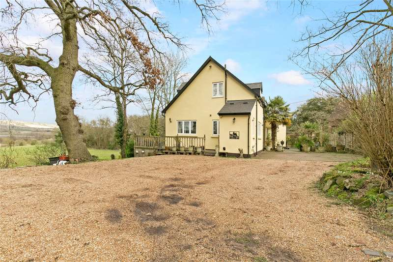 4 Bedrooms Detached House for sale in London Road, Wrotham Heath, Sevenoaks, TN15