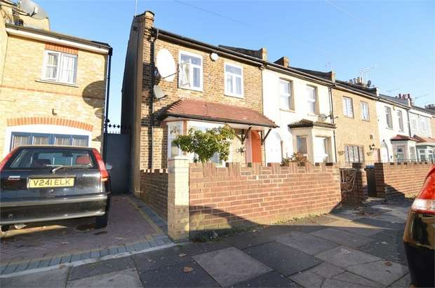 2 Bedrooms End Of Terrace House for sale in Connop Road, Enfield, Greater London