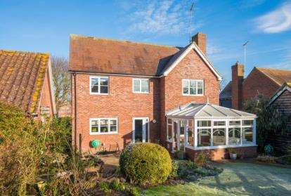 4 Bedrooms Detached House for sale in Abbey Close, Fyfield, Ongar, Essex