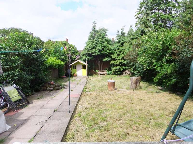 3 Bedrooms Semi Detached House for sale in Hobs Moat Road, Solihull