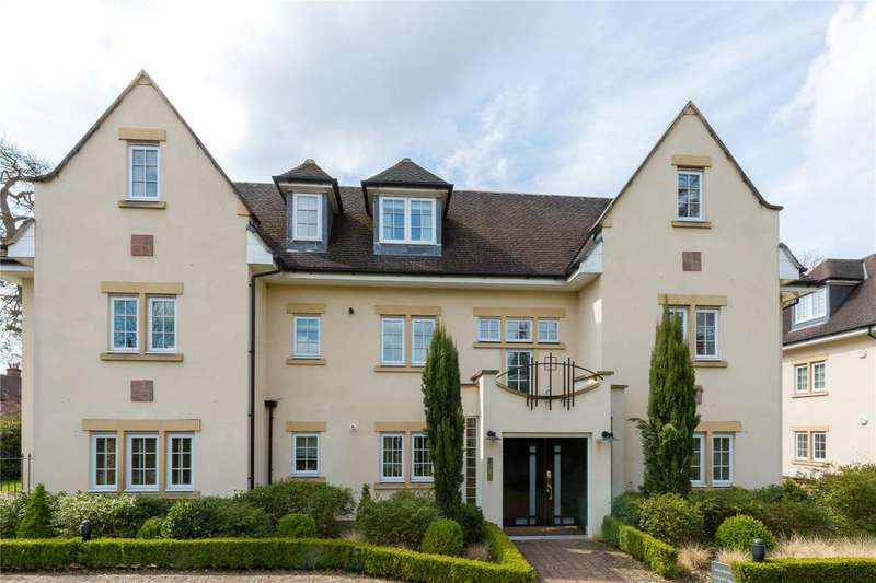 2 Bedrooms Flat for sale in Packhorse Road, Gerrards Cross, Buckinghamshire