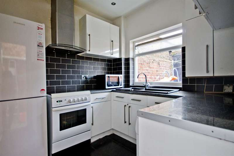 2 Bedrooms Terraced House for sale in Portman Street, Middlesbrough, TS1 4NB