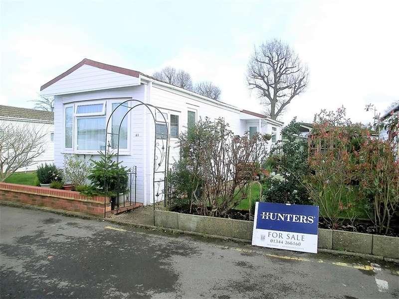 1 Bedroom Mobile Home for sale in Grove Farm Park, Mytchett Road, Mytchett, Camberley, GU16 6AQ