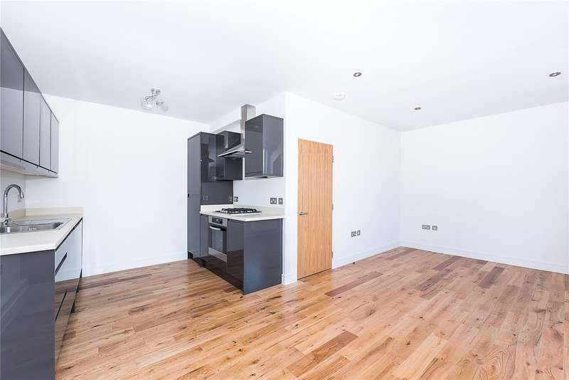 3 Bedrooms Flat for sale in Old London Road, Kingston upon Thames, KT2