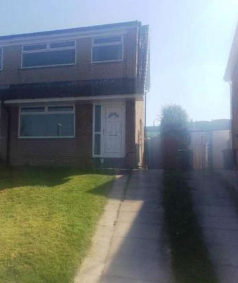 3 Bedrooms Semi Detached House for rent in Coppice Close Stocksbridge S36