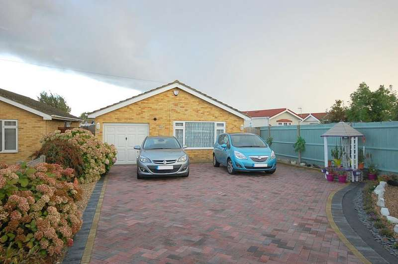 2 Bedrooms Detached Bungalow for sale in Reculver Road, Beltinge, Herne Bay