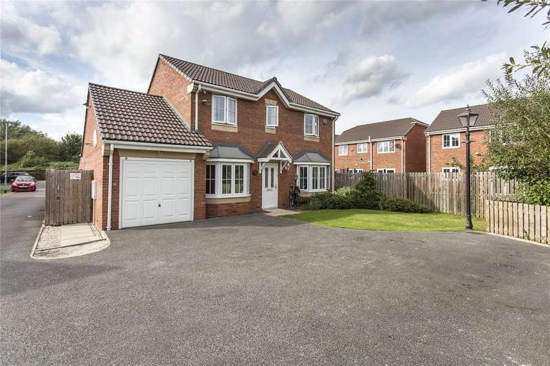 4 Bedrooms Detached House for sale in Spring Place Court, Mirfield, West Yorkshire, WF14