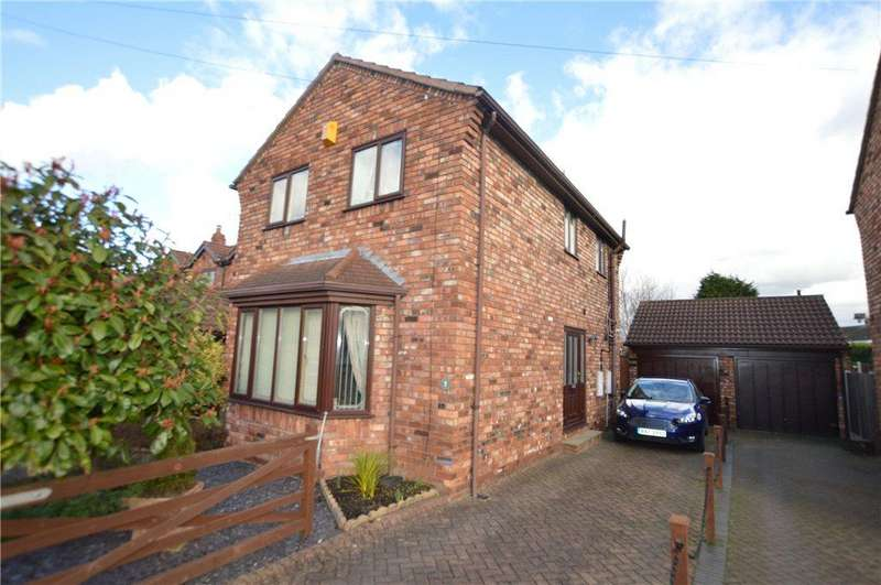3 Bedrooms Detached House for sale in Lock Lane, Altofts, West Yorkshire
