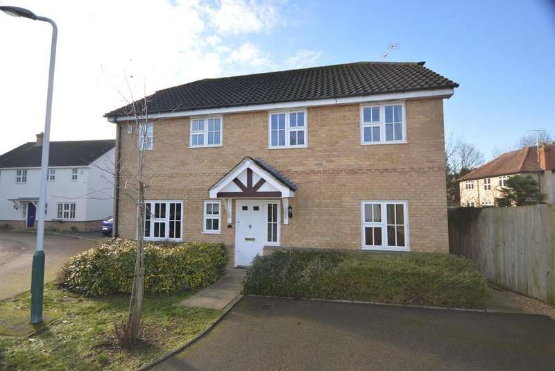 4 Bedrooms Detached House for sale in Woodcutters Close, Hornchurch, Essex, RM11