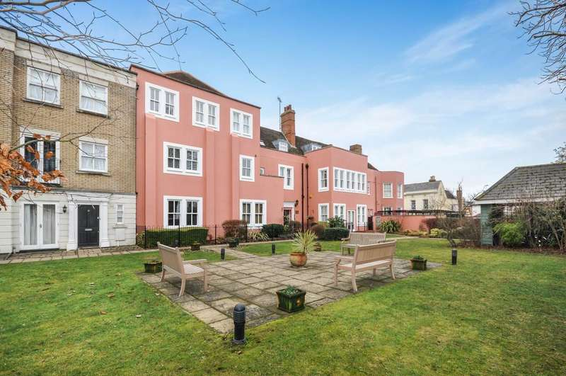 2 Bedrooms Apartment Flat for sale in Hillsleigh Mews, East Hill, Colchester