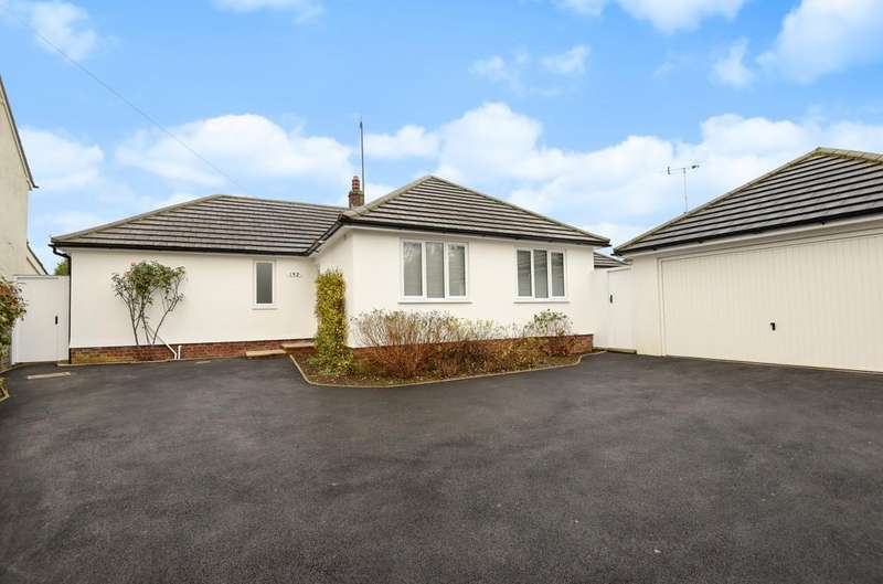 4 Bedrooms Detached Bungalow for sale in Rusper Road, Horsham, RH12