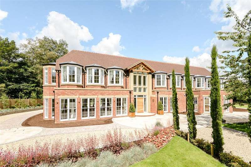 6 Bedrooms Detached House for sale in Fulmer Common Road, Fulmer/Iver, Buckinghamshire