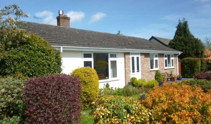 3 Bedrooms Detached Bungalow for sale in Ridgeway Avenue, Marford, Wrexham, Wrecsam, LL12