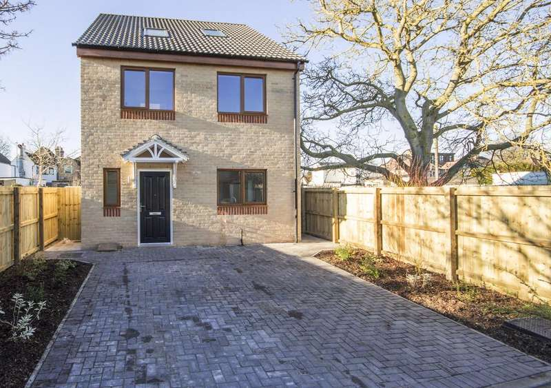 4 Bedrooms Detached House for sale in Cambridge Road, Milton