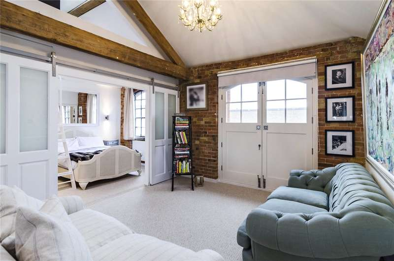 2 Bedrooms Flat for sale in Blue Anchor Lane, London, SE16