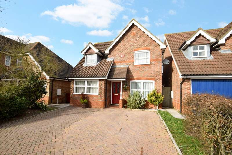 3 Bedrooms Detached House for sale in Richards Way, Cippenham, SL1