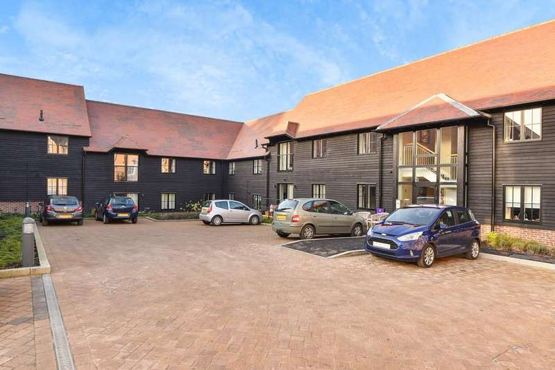 2 Bedrooms Ground Flat for sale in Mote Park, Maidstone