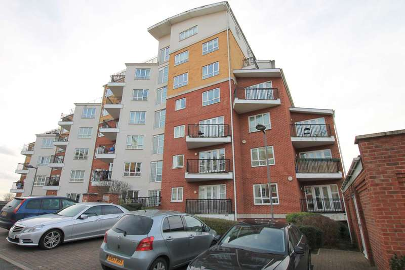 2 Bedrooms Flat for sale in The Gateway, Watford
