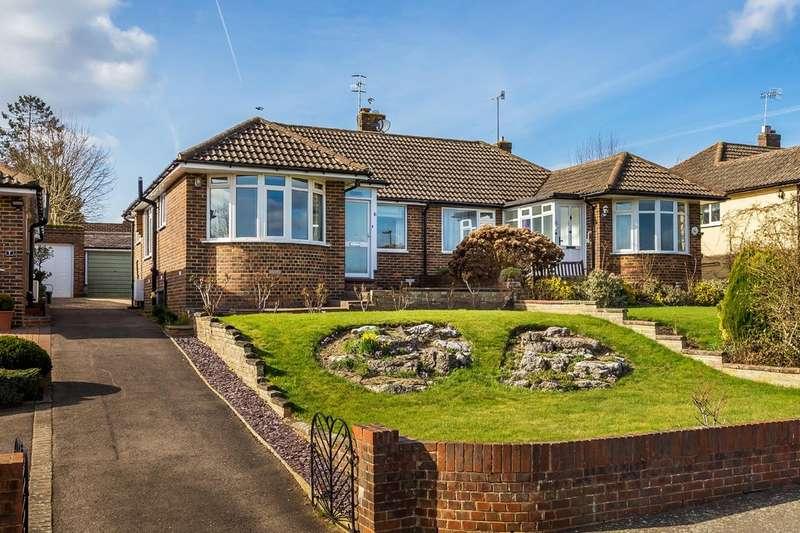 2 Bedrooms Semi Detached Bungalow for sale in Dewlands, Godstone.
