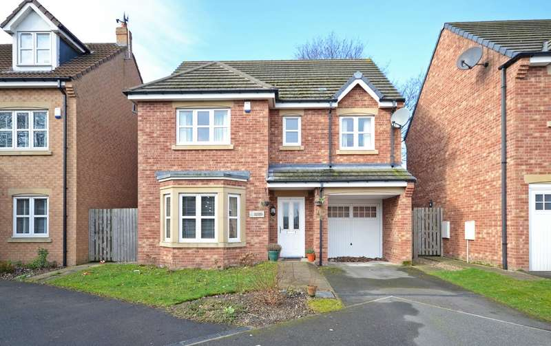 4 Bedrooms Detached House for sale in Royal Troon Mews, Wakefield