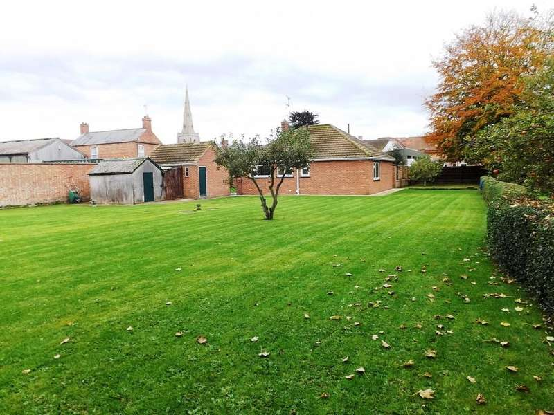 2 Bedrooms Detached Bungalow for sale in Holbeach