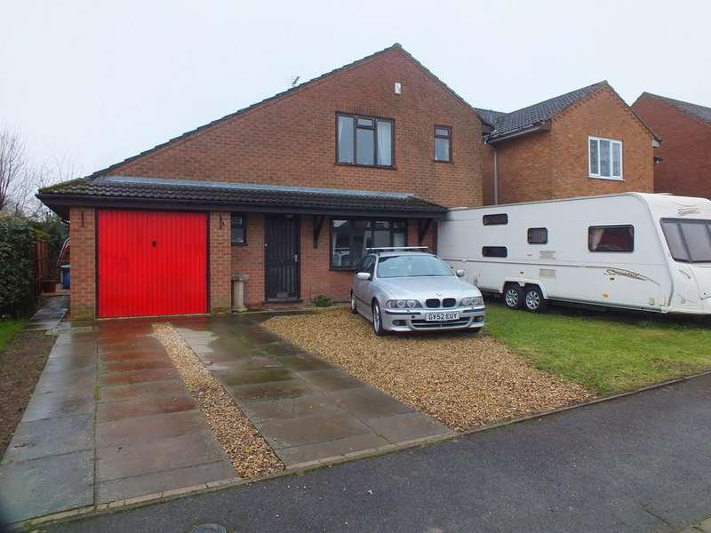 3 Bedrooms Detached House for sale in Holyrood Close, Donington