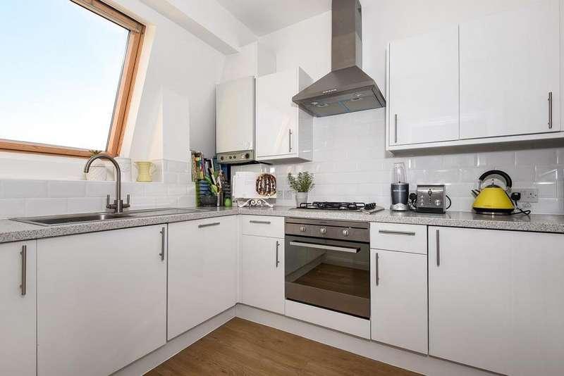 1 Bedroom Flat for sale in Battersea Rise, Battersea, SW11