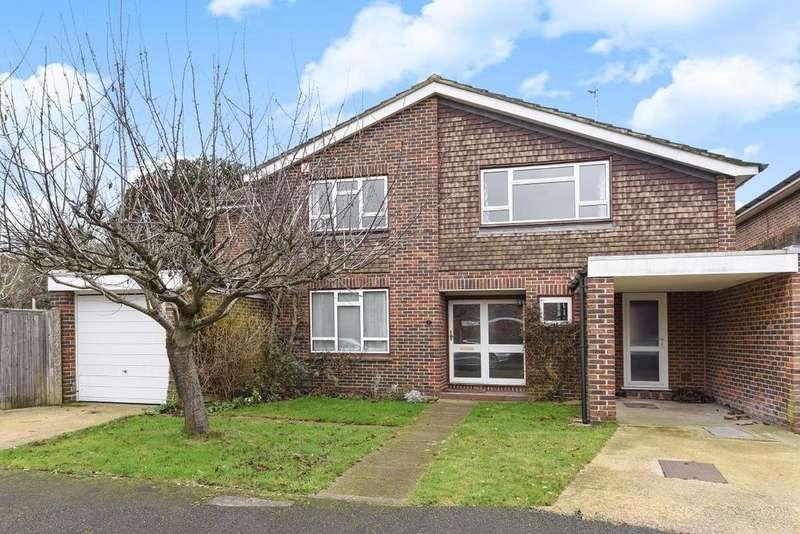 5 Bedrooms Detached House for sale in Parkgate Close, Kingston upon Thames, KT2