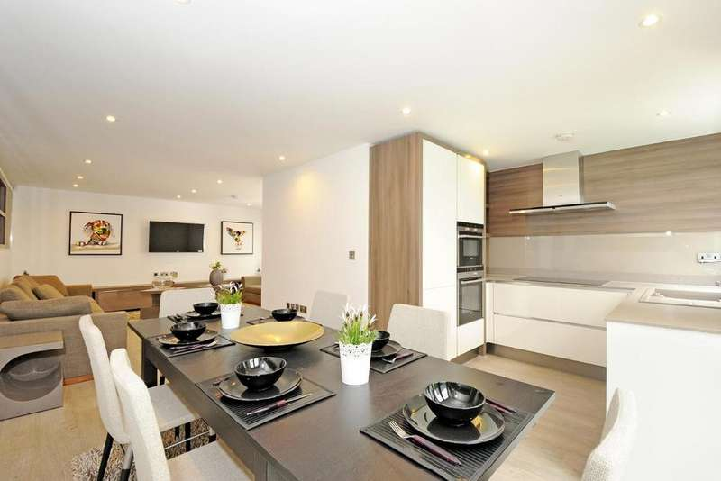 3 Bedrooms Mews House for sale in Whittlebury Mews East, Primrose Hill, NW1