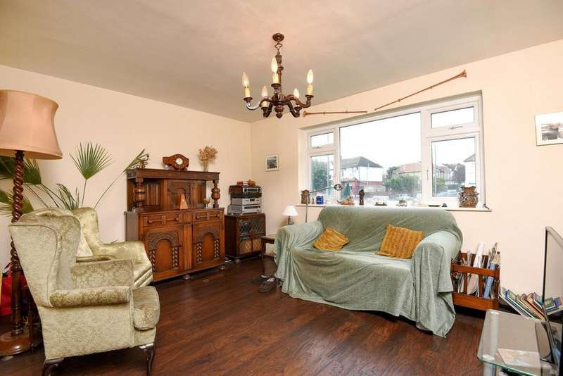 3 Bedrooms Maisonette Flat for sale in Woodhouse Road, North Finchley, N12
