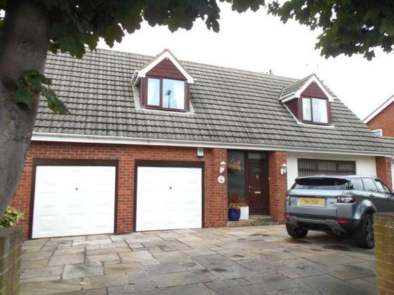 3 Bedrooms Detached House for sale in Larkholme Lane, Fleetwood, Lancashire, FY7 8AU
